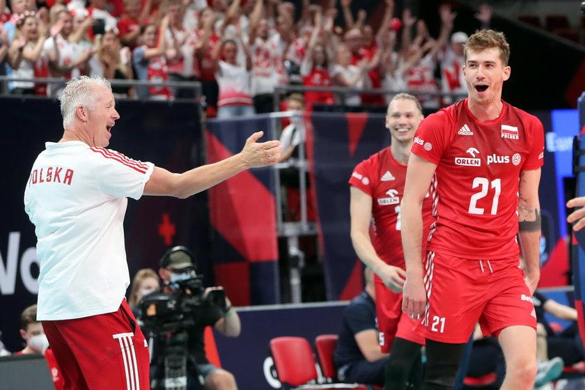 Obecna ekipa rozkręca się z meczu na mecz, a ostatni mecz z Finami (3:0) w 1/8 finału był pokazem siły Polaków.