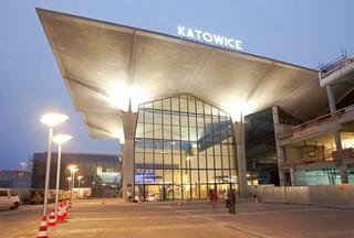 Prezes PKP S.A: Na dworcach pojawiły się zabezpieczenia, jakie znamy z lotnisk