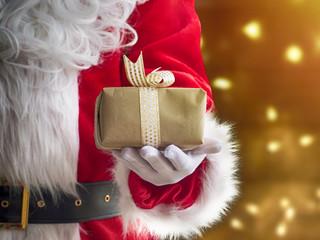 Szymaniak: Drogi Święty Mikołaju. Nie popisałeś się w mijającym roku, oj, nie popisałeś