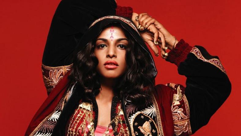 """Ta płyta miała się ukazać już w zeszłym roku, ale z powodu różnych sporów z wydawcą pochodząca ze Sri Lanki Brytyjka Mathangi """"Maya"""" Arulpragasam wydała """"Matangi"""" dopiero teraz. Nazwa krążka z jednej strony nawiązuje do jej imienia, a z drugiej do hinduistycznej bogini m.in. muzyki – Matangi"""