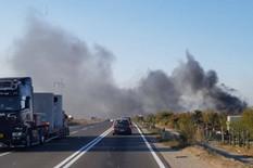 Crni dim otežava kretanje automobila po kolovozu