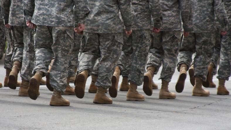 """Rosjanie uciekają od wojska. Boją się """"fali"""""""