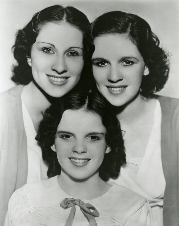 Džudi Garland sa sestrama Meri Džejn i Doroti Virdžinijom