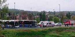 Zderzenie autobusu MPK z samochodem ciężarowym. Są ranni