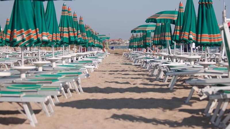 Leżaki na plaży, Liguria
