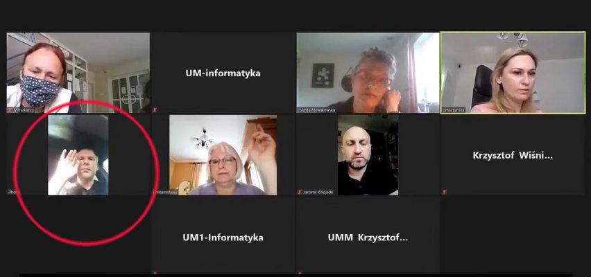 Bardzo głupia wpadka radnego z Milanówka! Co pokazał w sieci podczas zdalnego zebrania?