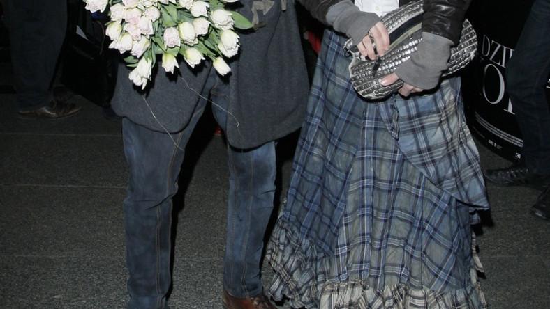 Oboje małżonkowie kochają ubrania stylizowane na niechlujne