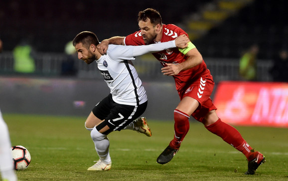 Tošić na revanš meču polufinala Kupa između FK Radnički i FK Partizan u Nišu