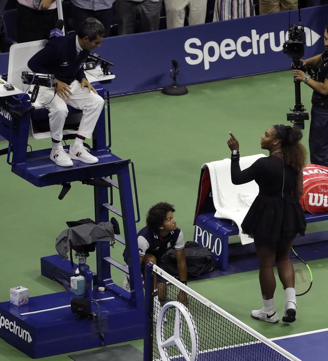 Serena Vilijams u svađi sa sudijom