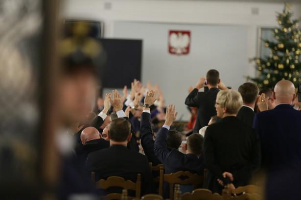 Sala Kolumnowa w Sejmie, głosowanie nad budżetem