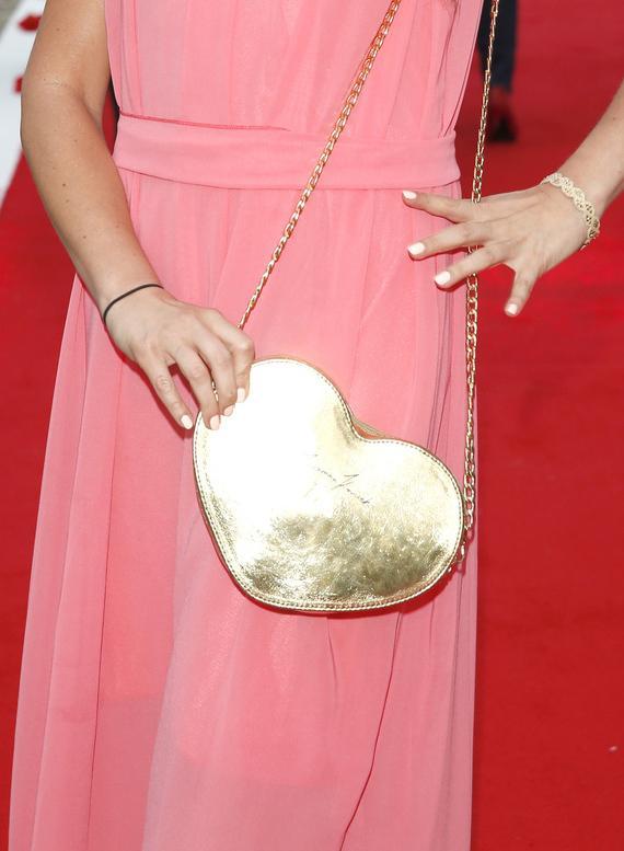 Torebka w kształcie serca - jak noszą ją gwiazdy?
