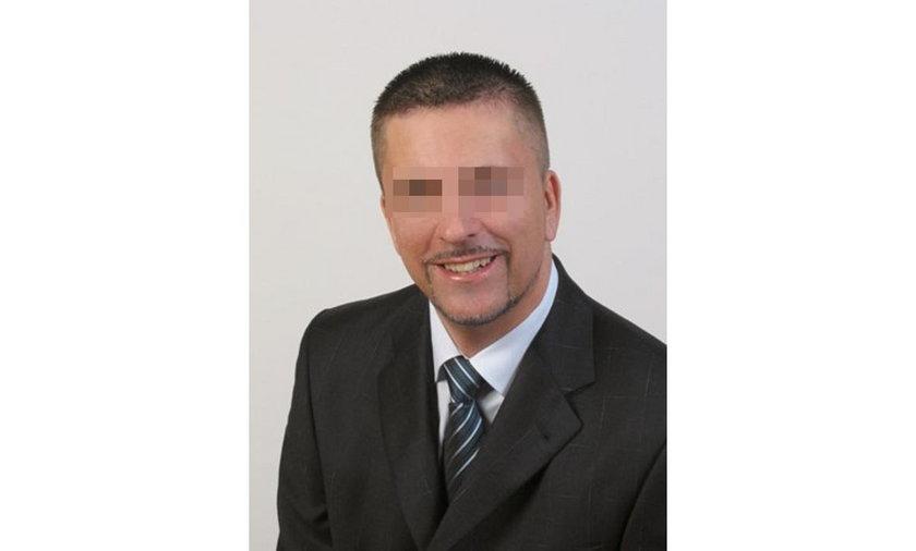 Mieszkańcy odwołali oskarżonego o korupcję burmistrza