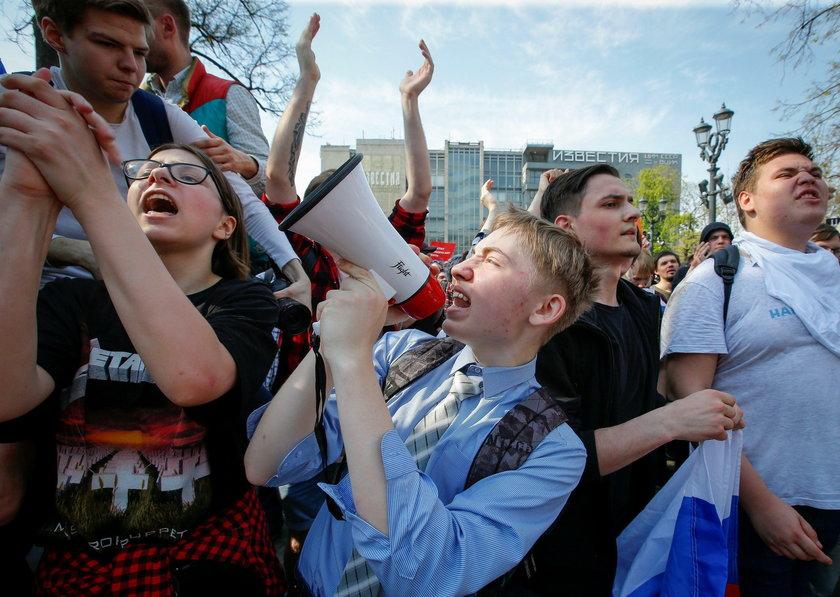 Protesty w kilkudziesięciu miastach. Zatrzymano ponad tysiąc osób