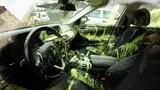 Luksusowe auto zdewastowane na Nadodrzu. Zuchwałość nie zna granic! [ZDJĘCIA]