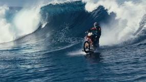 Surfing na motocyklu!