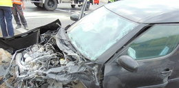 Ciężarówka zmiażdżyła auto na obwodnicy Otmuchowa