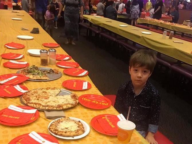 OSRAMOTILA je svog šestogodišnjaka slikom koja pokazuje da mu NIKO NIJE DOŠAO na rođendan, sada je OČAJNA i kaje se na sav glas: Da li je zaista pogrešila?