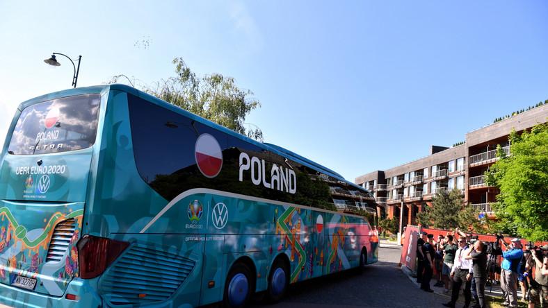 Przyjazd piłkarskiej reprezentacji Polski do hotel Marriott Resort & Spa w Sopocie, który jest bazą naszej kadry podczas mistrzostw Europy