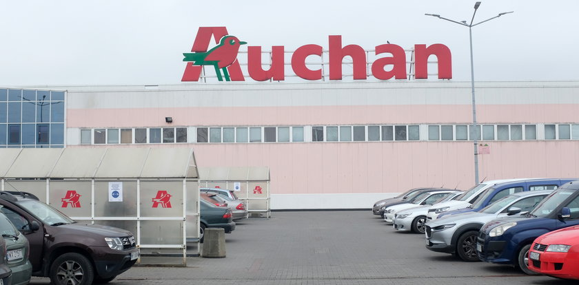 Uwaga na te kiełbaski z Auchan! Mogą zawierać płyn chłodzący