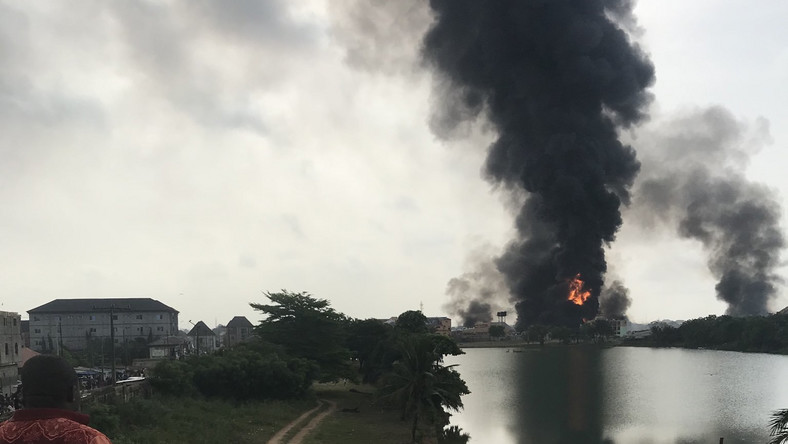 Confusion as another pipeline explosion rocks Lagos (Twitter @OmoGbajaBiamila)