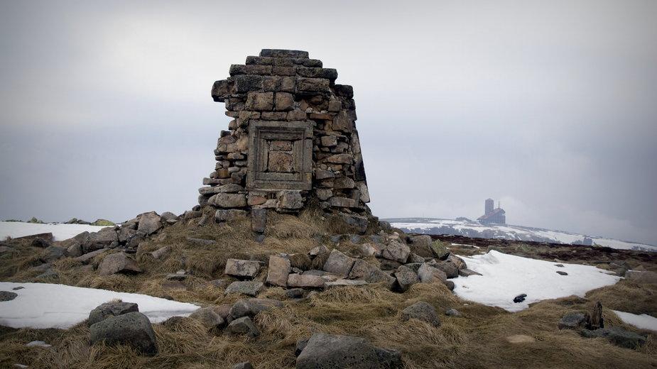 Ruiny pomnika cesarza Wilhelma I na Wielkim Szyszaku