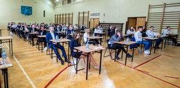 Matura 2019 z matematyki. Uczniowie zmagali się z kolejnym egzaminem
