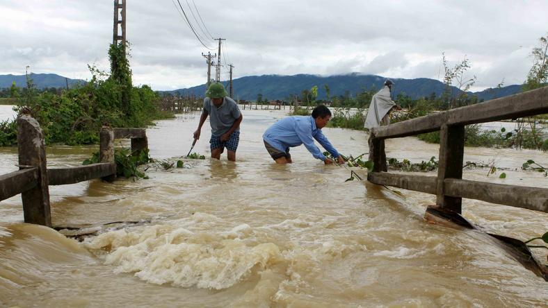 Wietnam: 37 zabitych, 40 zaginionych na skutek powodzi i osunięć ziemi