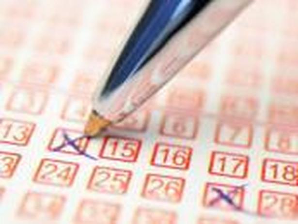 Loteria urządzona i prowadzona przez dany podmiot bez zezwolenia właściwego organu jest z mocy prawa nieważna