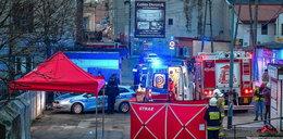 Atak nożownika na targu w Brzezinach. 41-latek chciał pomóc, napastnik zadał mu cios niemal w samo serce