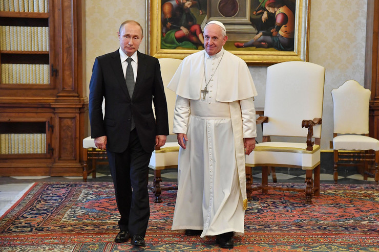 Vladimir Putin i papa Franja EPA ALESSANDRO DI MEO