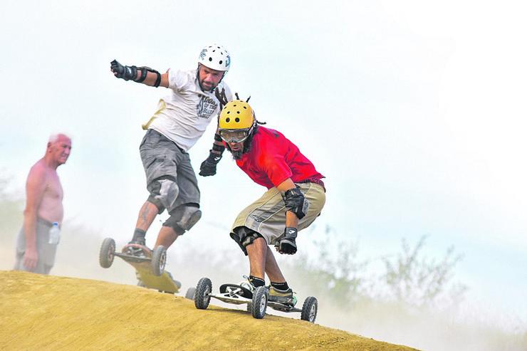 Novi Sad svetsko prvenstvo u planinskom skejtbordu kod Bukovca