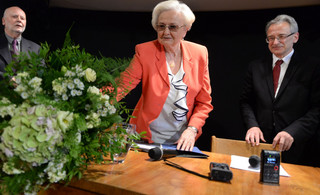 Prof. Łętowska odebrała nagrodę PEN Clubu im. Pruszyńskich