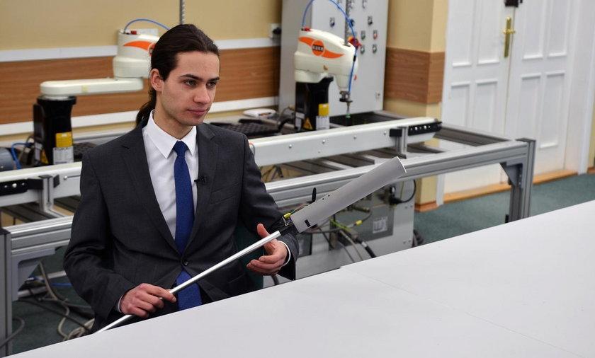 Łukasz Kolman wynalazł elektroniczną laskę dla niewidomych