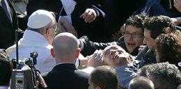 Z chorego, którego dotknął papież biła wielka radość