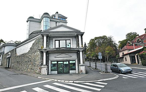 Cecina kuća