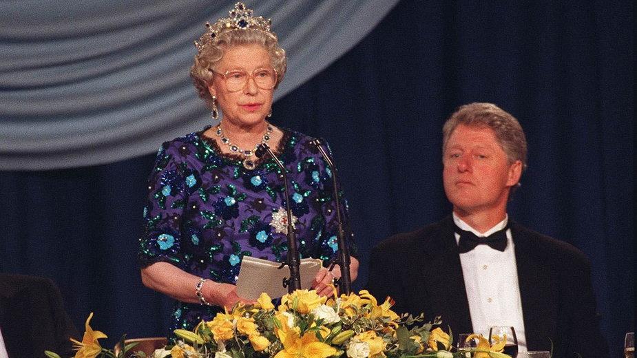 Elżbieta II i Bill Clinton