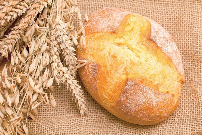 36426_stock-photo-fresh-bread-on-burlap-shutterstock_94738789