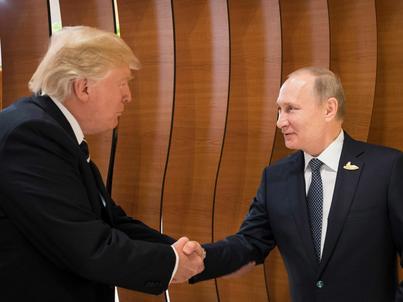 Spotkanie w Hamburgu na szczycie G20 było pierwszą rozmową twarzą w twarz Donalda Trumpa i Władimira Putina