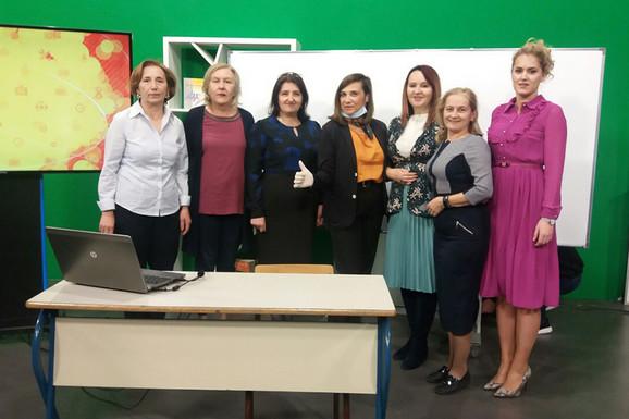 Vesna sa nastavnicama koje pripremaju časove za 5. razred