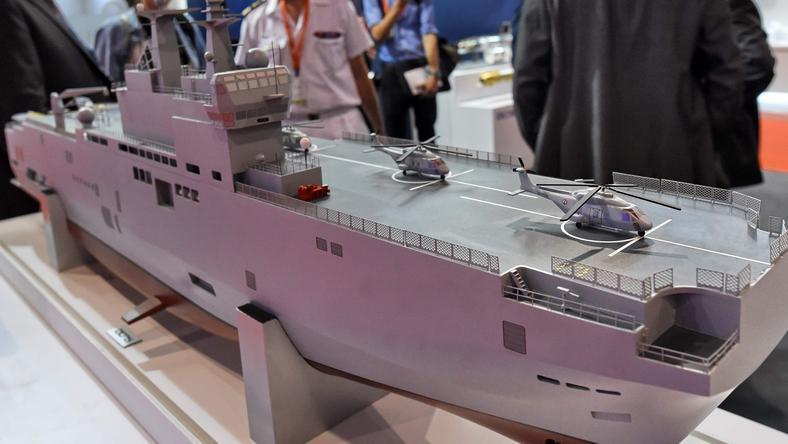 Makieta okrętu Mistral
