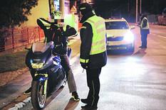 REKORDER Policija zaustavila mladića na mopedu, zbog ovoga je odmah dobio 45 DANA ZATVORA