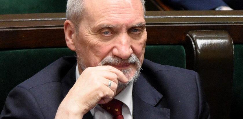 Macierewicz zabrał głos sprawie, która wywołała skandal