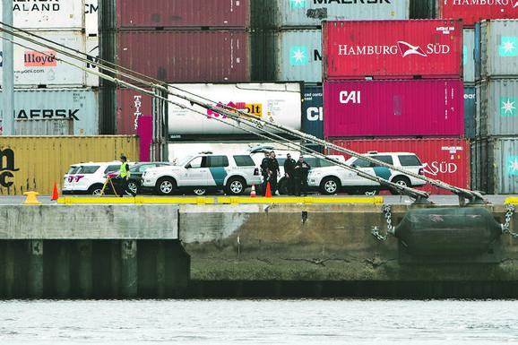 Policiji su bili sumnjivi kontejneri koji su navodno prevozili hranu