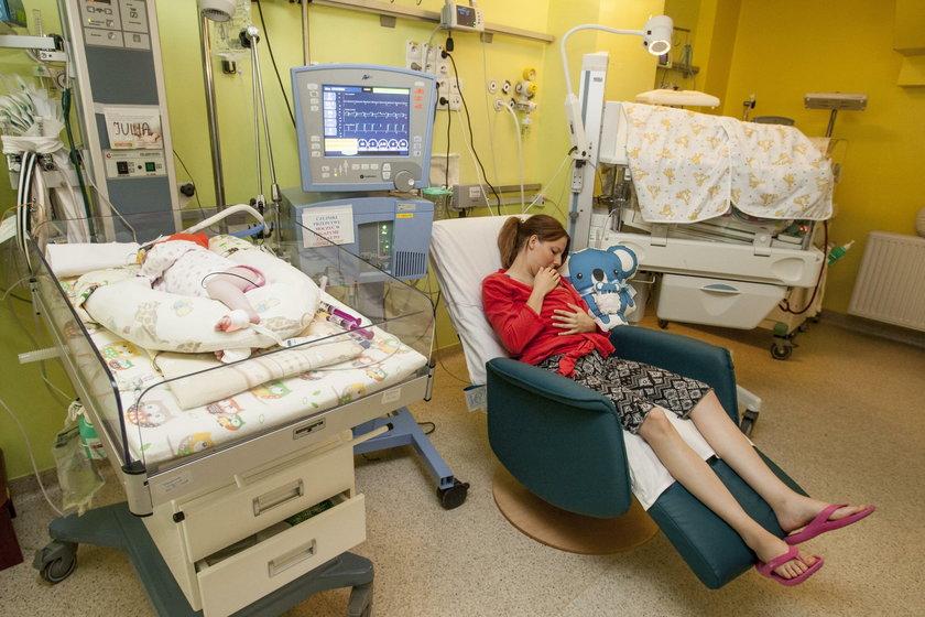 Ruda Śląska. Nowy fotel dla oddziału neonatologii
