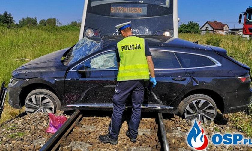 Tragiczny wypadek na przejeździe kolejowym.