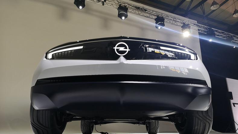 Niemieckość, przystępność (demokratyzacja technologii) i emocje mają charakteryzować nowe samochody marki Opel. A GT X Experimental to namacalna zapowiedź przyszłych aut, które mają wyróżniać się na tle innych modeli Grupy PSA