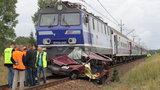 FILM Pociąg uderzył w samochód. Pasażerka nie żyje