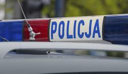 Pabianice: spalił w kominku dopalacze, gdy policja próbowała wejść do sklepu