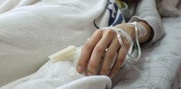 Kompletnie pijany 12-latek z kolegą trafili do szpitala. Ich stan był ciężki