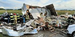 Trąba powietrzna porwała 8 domków holenderskich w Ustroniu Morskim. Są ranni